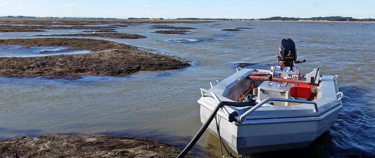 Southern Waterways | 4 1m Pontoon Outboard Jet